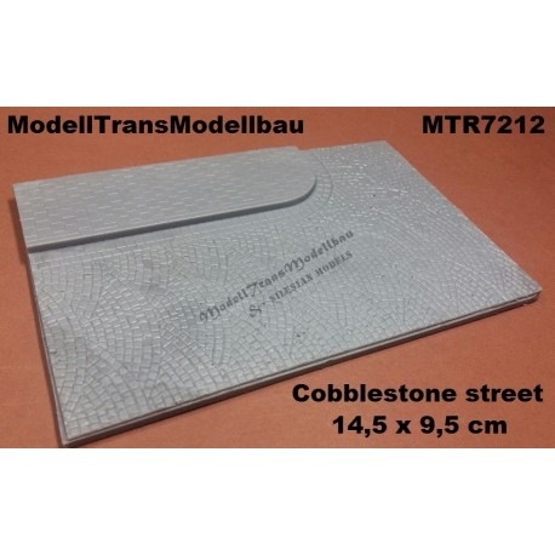 Cobblestone street. 14,5 x 9,5 cm