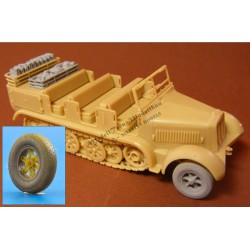 Correkt wheels (Continental tires) and equipment foe SdKfz 7 (Revell)