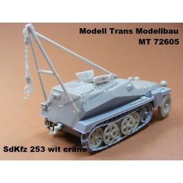 SdKfz 253 with crane