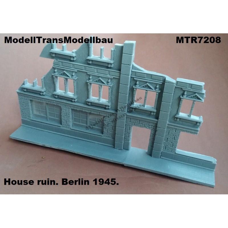House ruin. Berlin 1945.